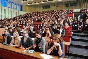 وقت دانشجویی سفارت فرانسه