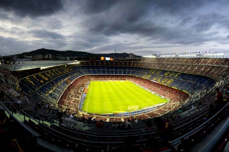 ورزشگاه نیوکمپ بارسلون اسپانیا